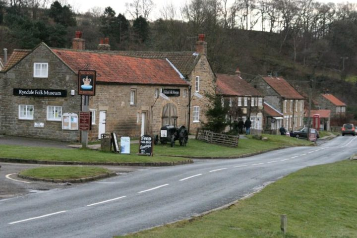 While driving home from Farndale we pass Hutton-le-Hole - very crowded during the season...