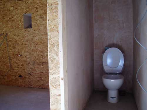 Of course we need a toilet (not really spectacular - but it is integrated in the utility room).
